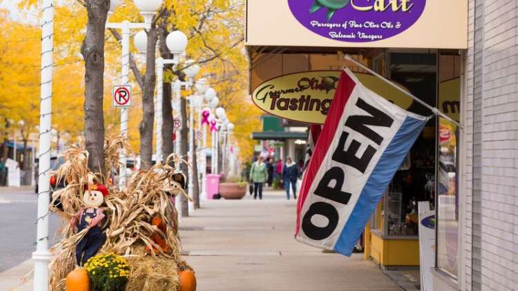 Autumn Is A Relaxing Time To Reunite During The Week In St Joseph Boutiques An Eclectic Selection Of Restaurants And Lodgings Are All Within
