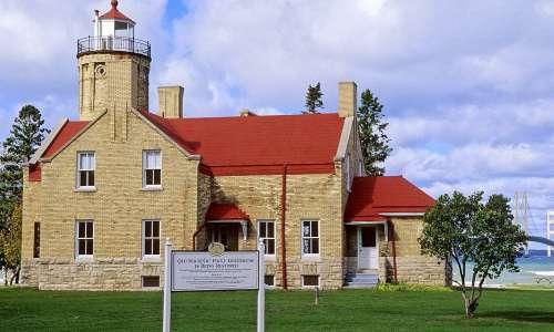 Lighthouses   Michigan