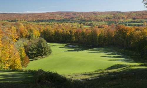 9 of the Best Golf Destinations for Leaf Peeping in Pure Michigan