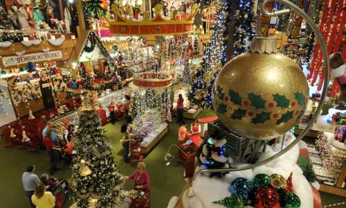 18 Things You Didn't Know About Bronner's – The World's Largest Christmas Store