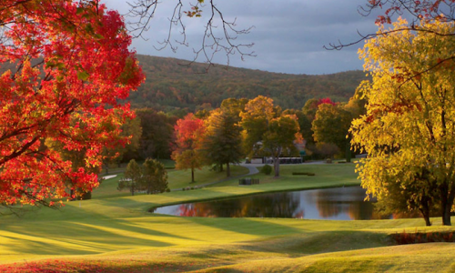 8 of the Best Michigan Golf Courses for Leaf Peeping