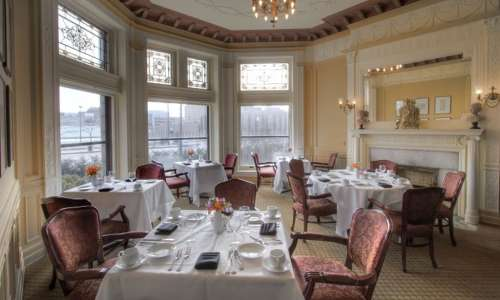 7 Romantic Restaurants in Detroit