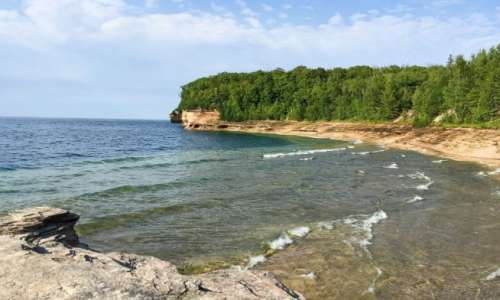 things to do in pictured rocks