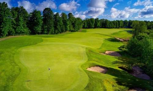 9 Amazing Golf Destinations Offering Lessons