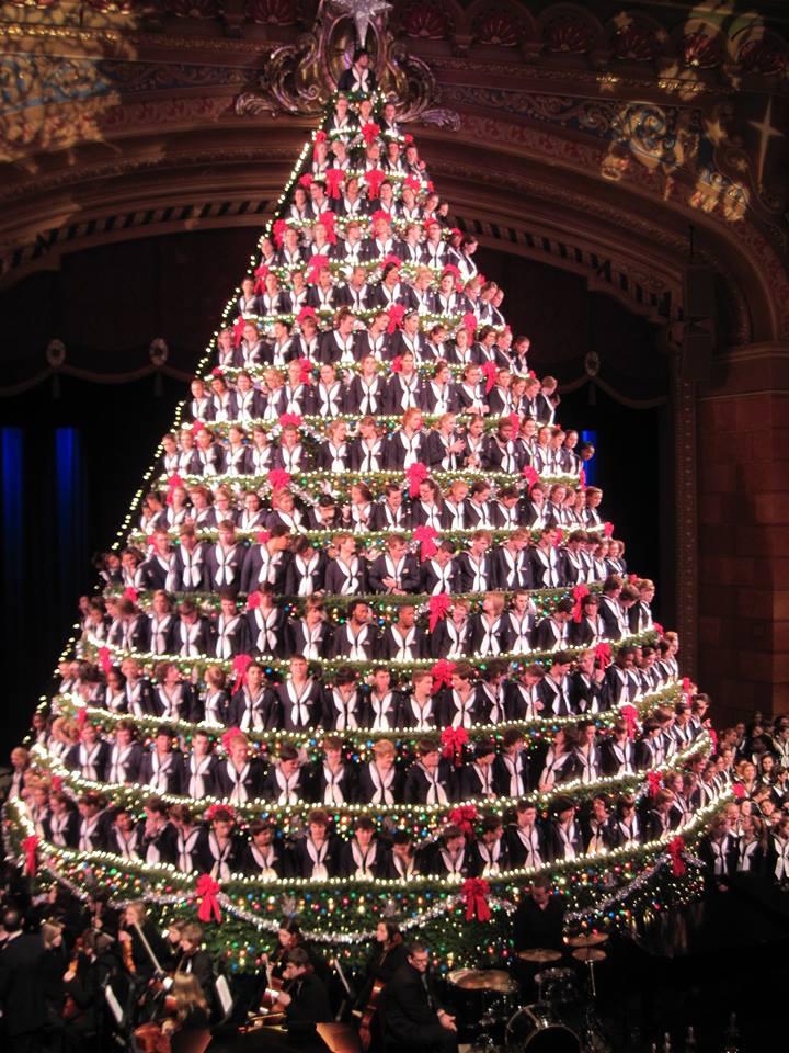 tallest singing christmas tree
