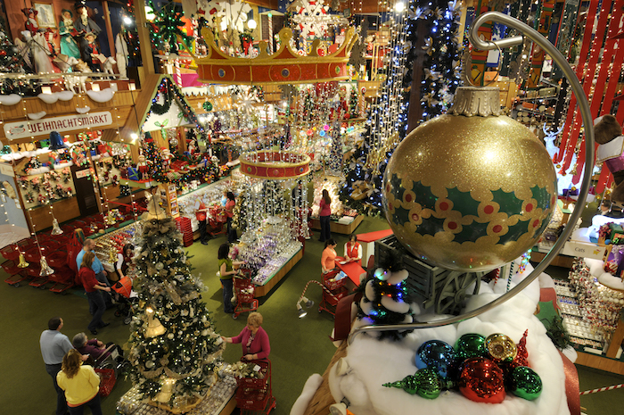 bronners in frankenmuth - Big Indoor Christmas Decorations