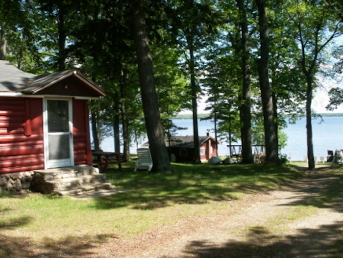 cozy cabins perfect for a pure michigan getaway michigan rh michigan org lakefront cabins for rent in michigan