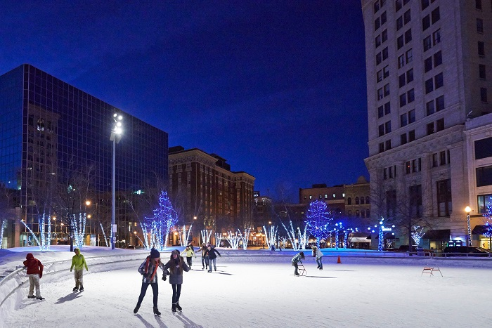 10 Outstanding Outdoor Ice Skating Rinks In Michigan