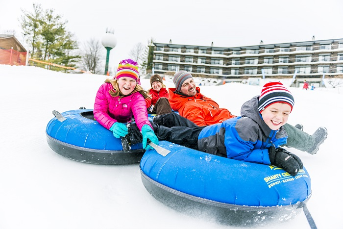 Snow-tubing-traverse-city.jpg