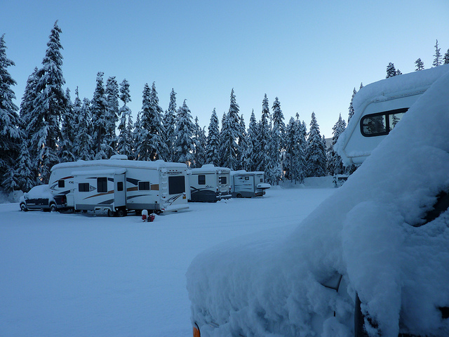 Winter-RV- camping.jpg