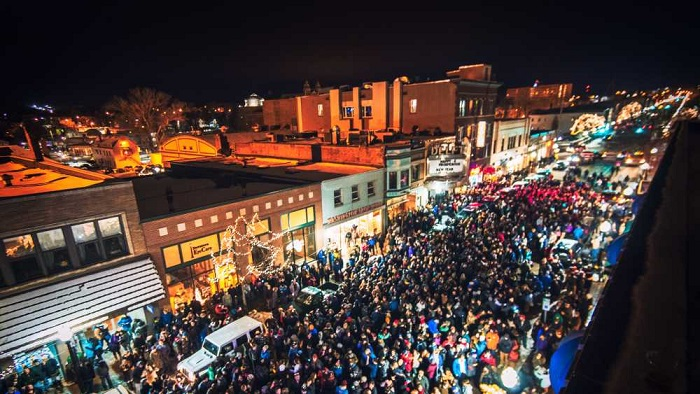 Our Favorite Ways To Spend New Years Eve In Michigan Michigan