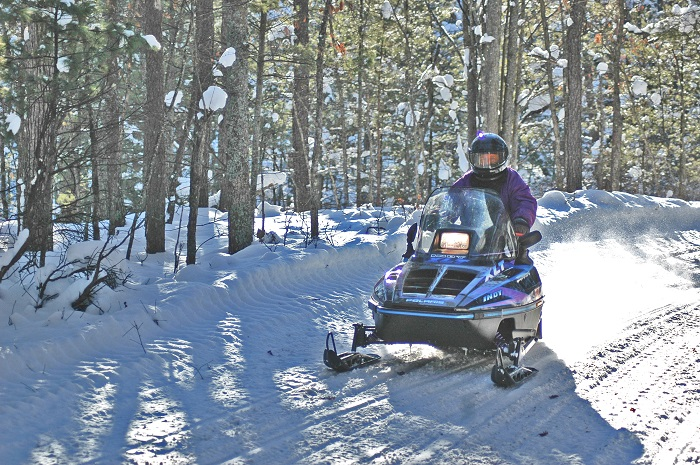 snowmobiling-traverse-city.jpg