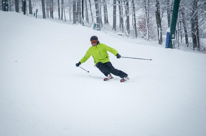 downhill-skiing-boyne-mountain.jpg